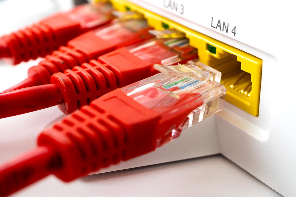 LANケーブルを枝分かれさせる方法2つ
