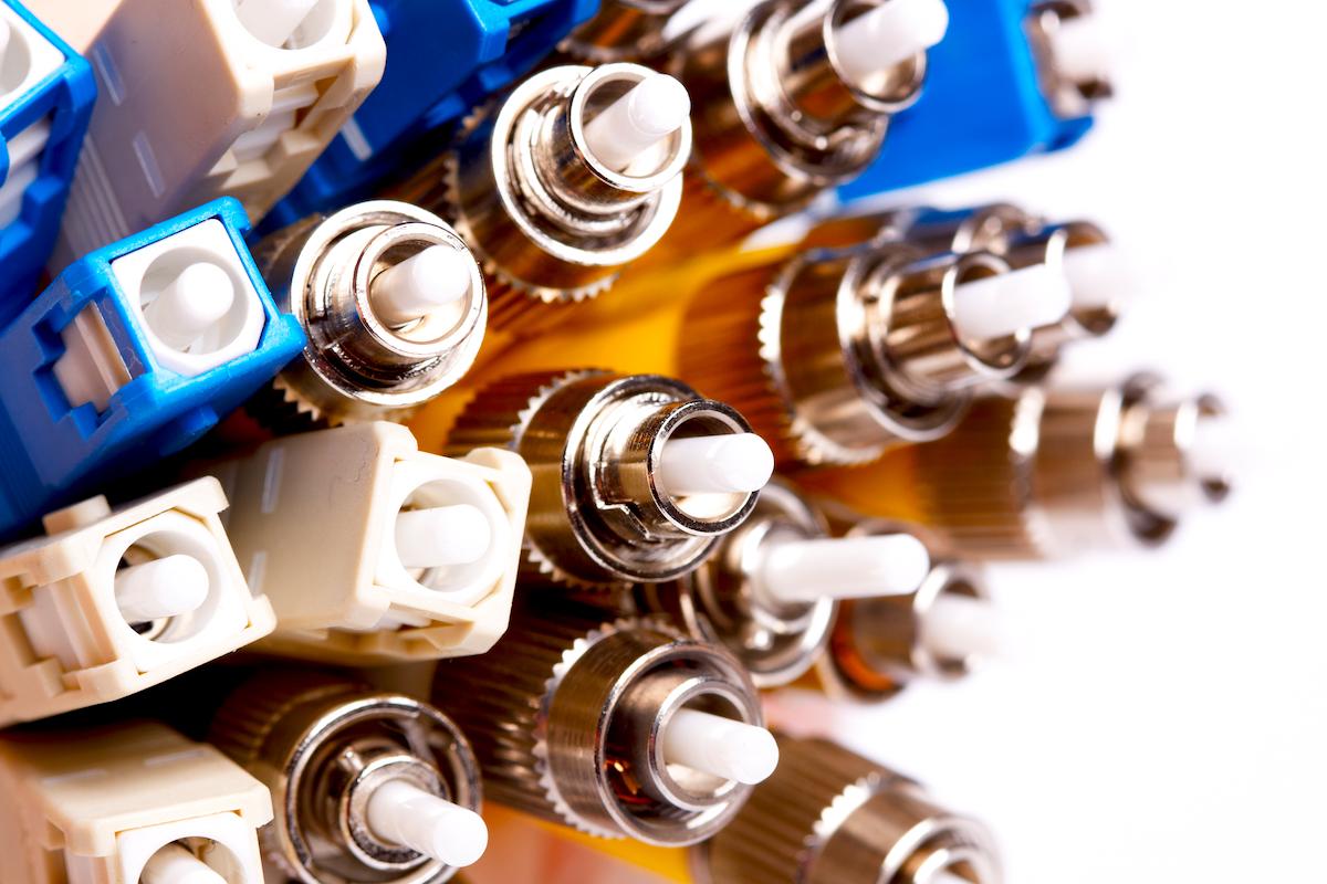 光ファイバーケーブル研磨とは?研磨の種類と必要な理由