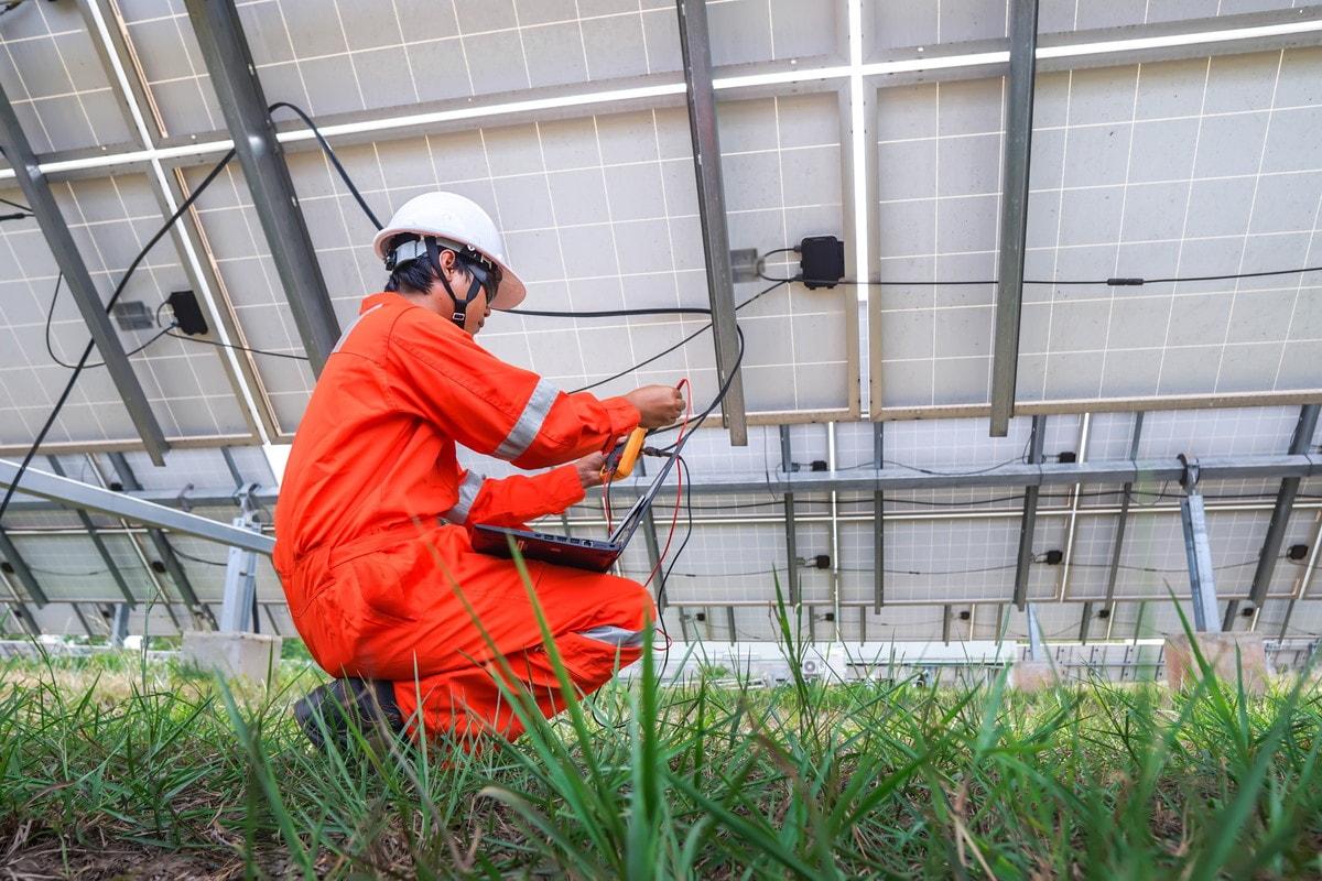 太陽光発電システムのケーブルのまとめ方と知っておきたい基礎知識