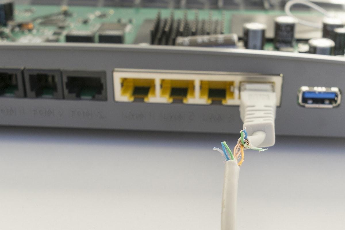 LANケーブルを入れ替えるタイミングと注意点