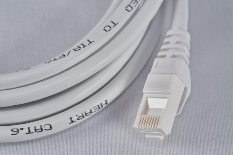 LANケーブルの種類一覧|シーン別のカテゴリの使い分け方も解説