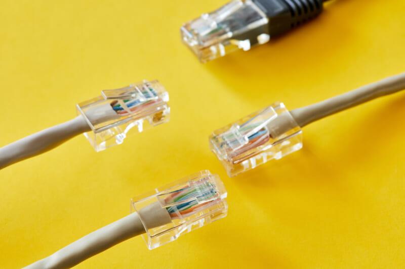 LANケーブルの長さと通信速度は関係している?