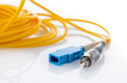 光ファイバーを接続する「光コネクタ」やその種類・選び方について解説