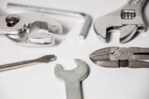 配線ダクトの導入に使用する工具