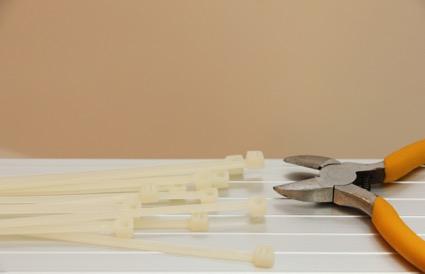 結束工具で結束作業が楽になる!特徴や使い方・使用時の注意点を解説