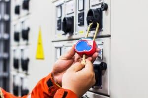 設備メンテナンスの安全対策に必須となるロックアウト・タグアウトの使い方