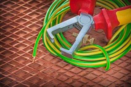 電導性が低く電線保護に使うポリエチレンの種類ごとの特徴を徹底解説